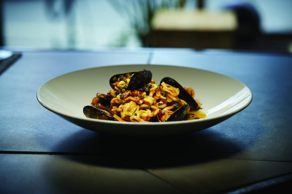 Mussels Puttanesca Annelini